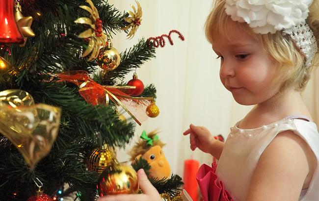 """""""Танки на ялинку"""": у Росії з'явилися незвичайні новорічні іграшки"""