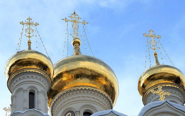 В России больной COVID-19 священник инфицировал более 30 человек