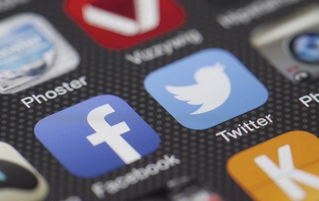 Карикатурист показал запрет соцсети Facebook в России