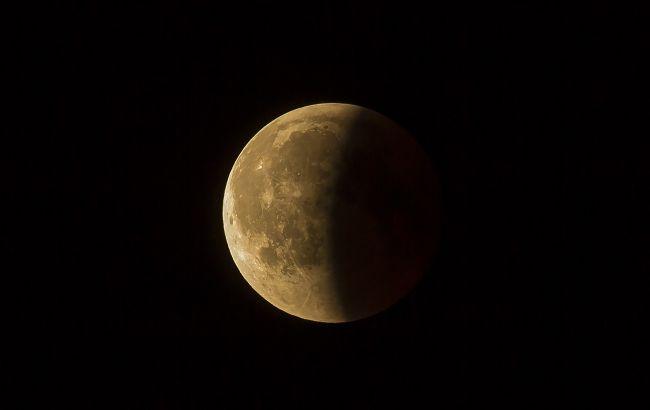 Лунное затмение 5 июня: кому несет опасность и что строго запрещено делать