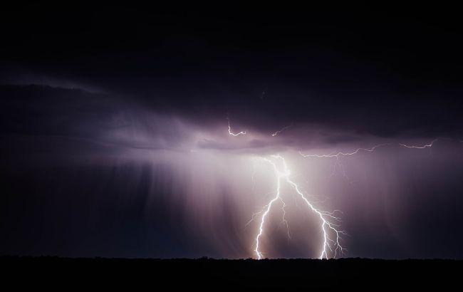 Как уберечься от молнии: горный спасатель дал действенные советы