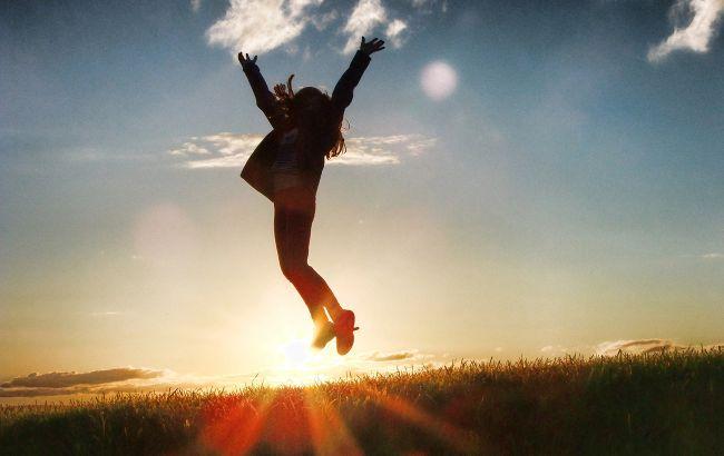 Гороскоп Таро на октябрь: середина осени исполнит самые сильные желания