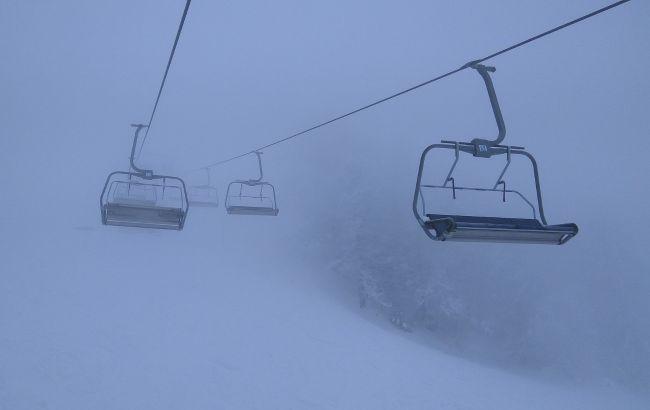 Карпаты в конце апреля засыпает снегом: в горах ударил мороз