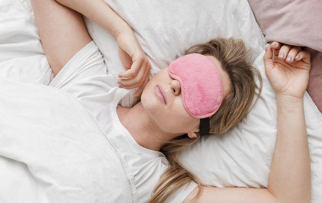 Спать и худеть: диетологи раскрыли секрет, как сон влияет на наш вес