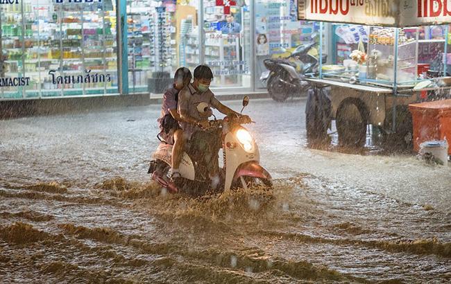 ВКитайской народной республике неменее 12 млн людей оказались взоне наводнения