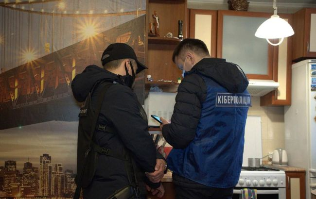 Перевипускали SIM-карти: банда ошукала громадян на 10 млн гривень