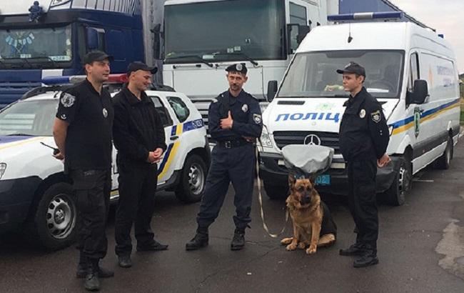 Фото: поліція на кордоні чекає приїзду Саакашвілі (прес-служба НПУ)