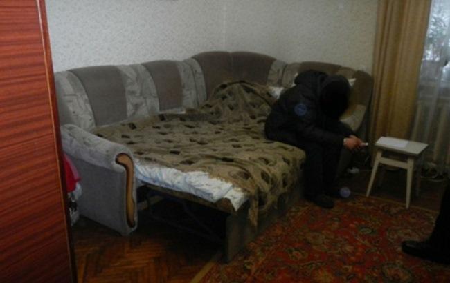 Избил кулаками: в Киеве мужчина из ревности убил возлюбленную