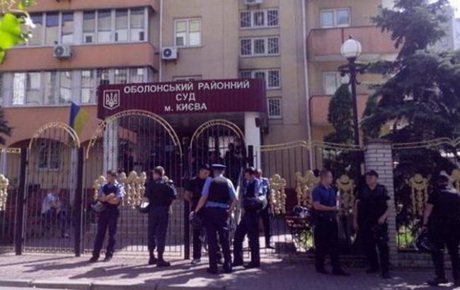"""Фото: силовики оточили будівлю суду по справі """"Торнадо"""""""