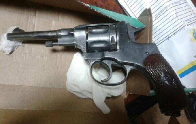 Фото: вилучений у зловмисника револьвер