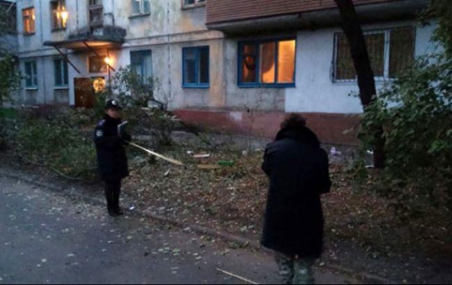 Фото (МВД): в Мариуполе из РПГ обстреляли жилой дом