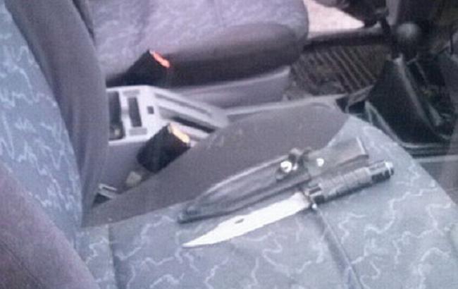 Фото: у Закарпатській області поліція затримала автомобіль із зброєю