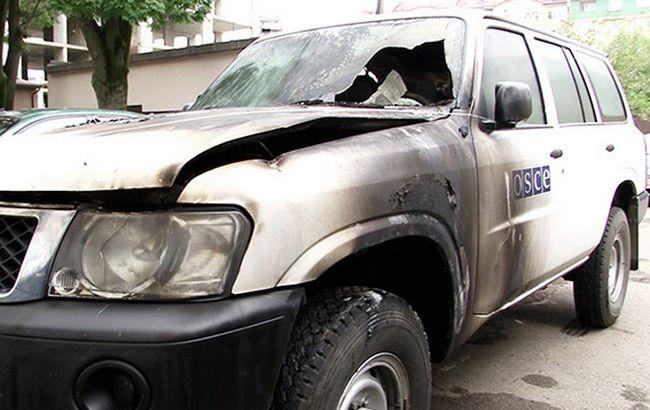 Фото: сожженный автомобиль ОБСЕ