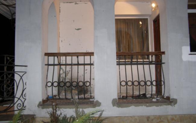 У Рівному стався вибух у дворі житлового будинку