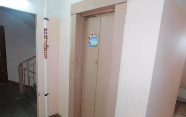 Фото: Лифт, где напали на женщину (kyiv.npu.gov.ua)