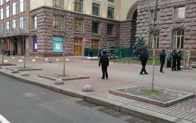 Фото: у Києві на День гідності і свободи посилили заходи безпеки