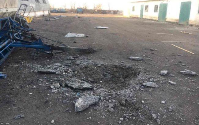 Бои наДонбассе: появились фото последствий обстрелов боевиков окрестностей Талаковки