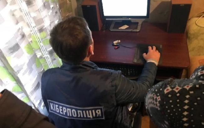 Двоє киян активно розповсюджували у мережі дитячу порнографію