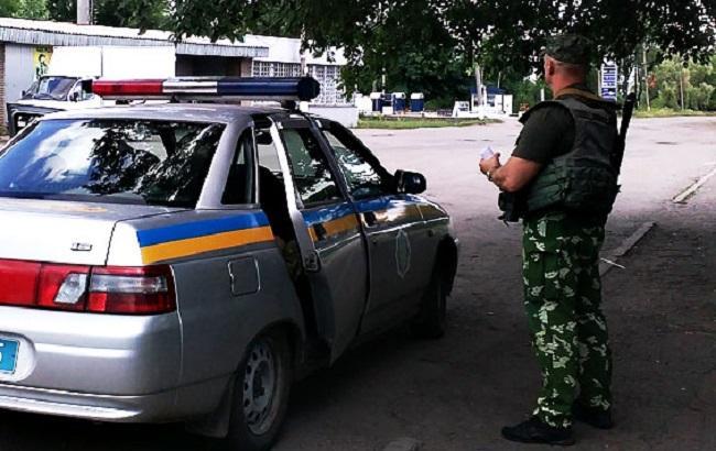 Фото: поліція затримала розбійників за півгодини