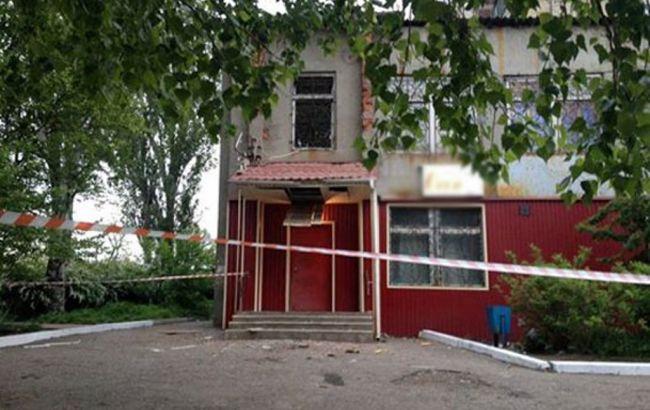 В Константиновке неизвестный из РПГ выстрелил в помещение отдела миграционной службы