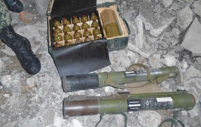 Фото: СБУ виявила три схованки з боєприпасами у Донецькій області