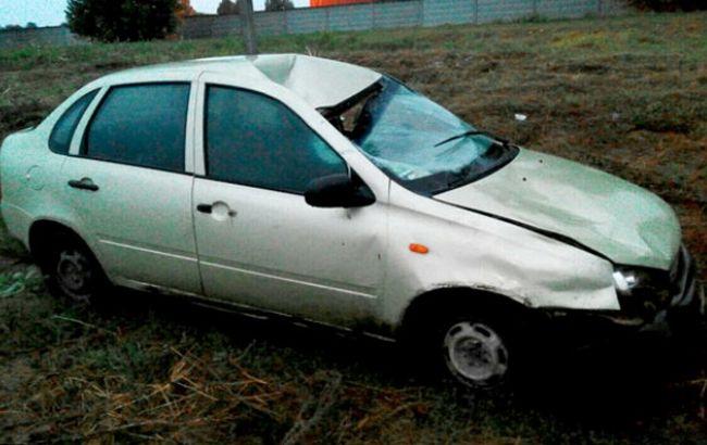 Фото: винуватець ДТП в Полтавській області зник з місця події, залишивши авто