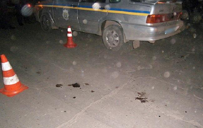 В Хмельницкой области неизвестные напали на полицейских, те открыли огонь