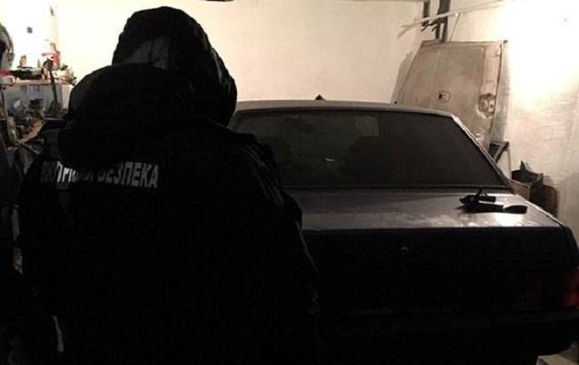 ВЗапорожье банда угонщиков украла служебные «Жигули» уполицейского