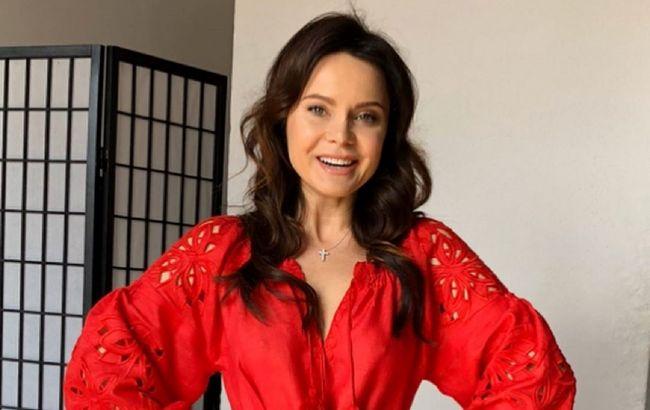 Просто конфетка: Лилия Подкопаева восхитила образами в стильных платьях-вышиванках