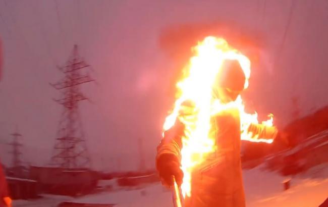 Фото: Подросток и огонь