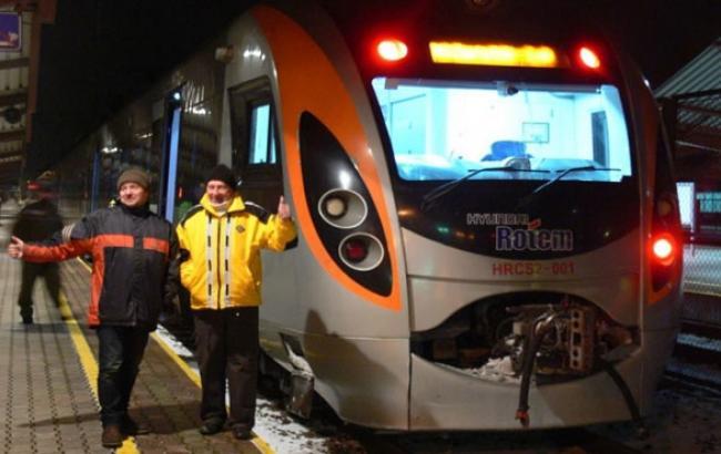 Фото: Поезд прибыл в Перемышль (zaxid.net)