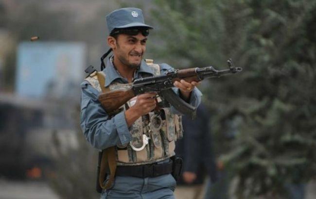 В Афганістані стався теракт і напад бойовиків на сили безпеки, десятки загиблих
