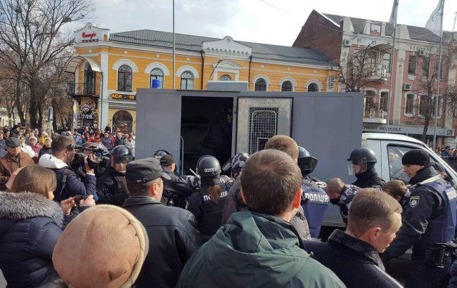 """""""Нацкорпус"""" звинуватив поліцію в розгоні мітингу в Полтаві"""