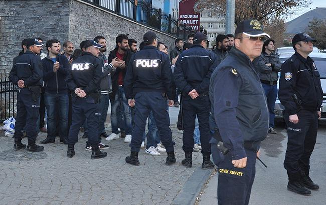 ВТурции задержали 13 подозреваемых вподготовке нападения напосольство США