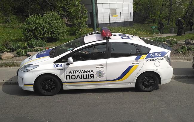 Невдала втеча: під Харковом нахабна дівчина протаранила авто поліції (фото)