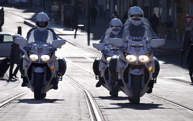 В Париже возле военного представительства Иордании взорвался мотоцикл