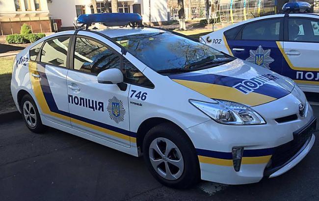 У Києві двоє озброєних чоловіків вкрали 70 тис. доларів і зникли