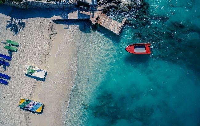 На море за 250 євро: продажі турів до Албанії на серпень стартували з великими знижками