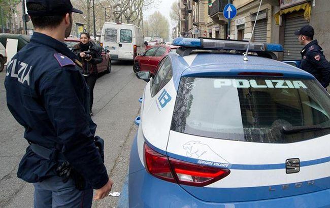 ВРиме два украинца разбили авто иударили полицейского полицу