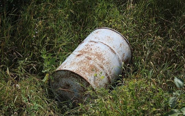 На Донбассе в поля сливают химикаты