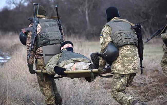 В зоні АТО внаслідок обстрілів поранено двох українських військових