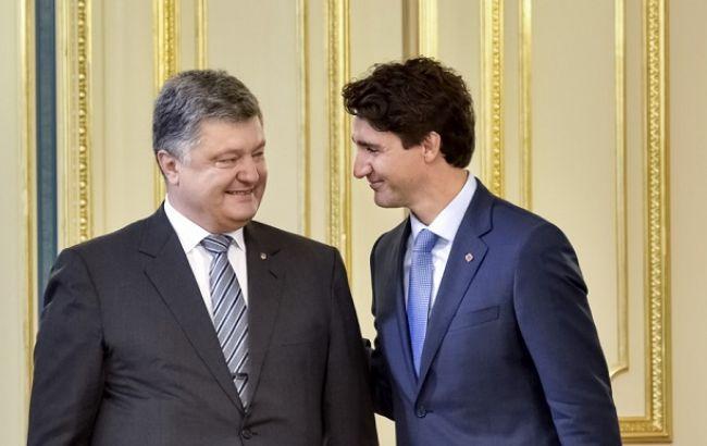 Фото: Порошенко и Трюдо договорились о сотрудничестве в сфере развития армии