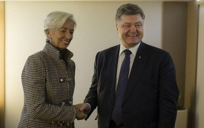 Порошенко: Україна очікує черговий транш від МВФ у лютому 2016