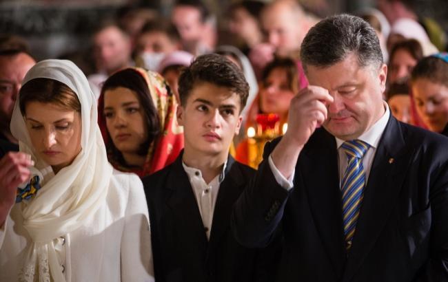 Порошенко привітав українців з Великоднем