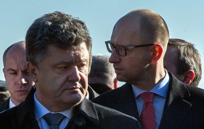 """Вероятность того, что Яценюк останется премьером, в команде Порошенко оценивают как """"более 50%"""""""