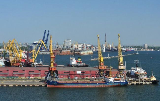Фото: МИУ вводит дерегуляцию в портах Украины