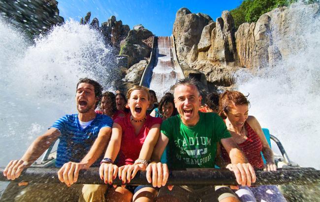 Топ-10 кращих парків атракціонів світу