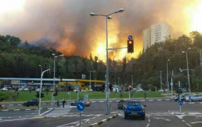 Фото: в Ізраїлі пожежі поширилися ще на кілька районів