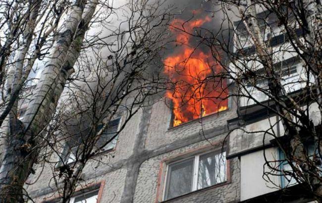 Фото: пожар возник на четвертом этаже