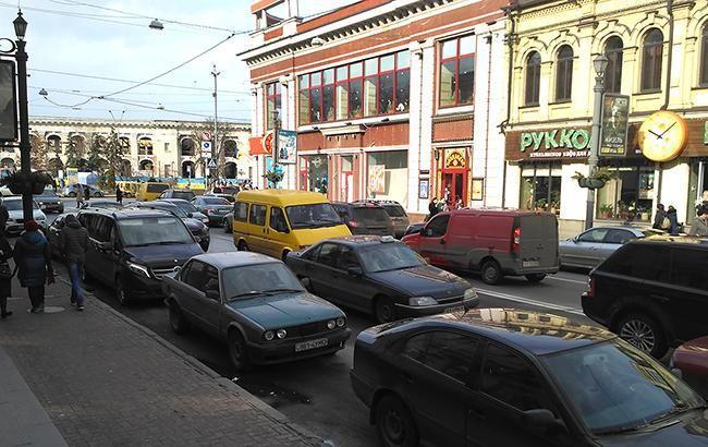Затори у Києві досягли 7 балів